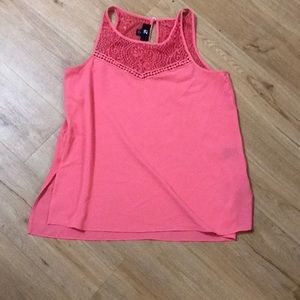 IZ Byer sleeveless blouse in peach size M.